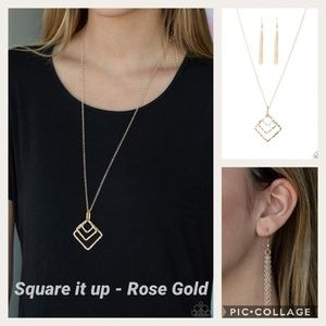 Square it up Rose gold necklace